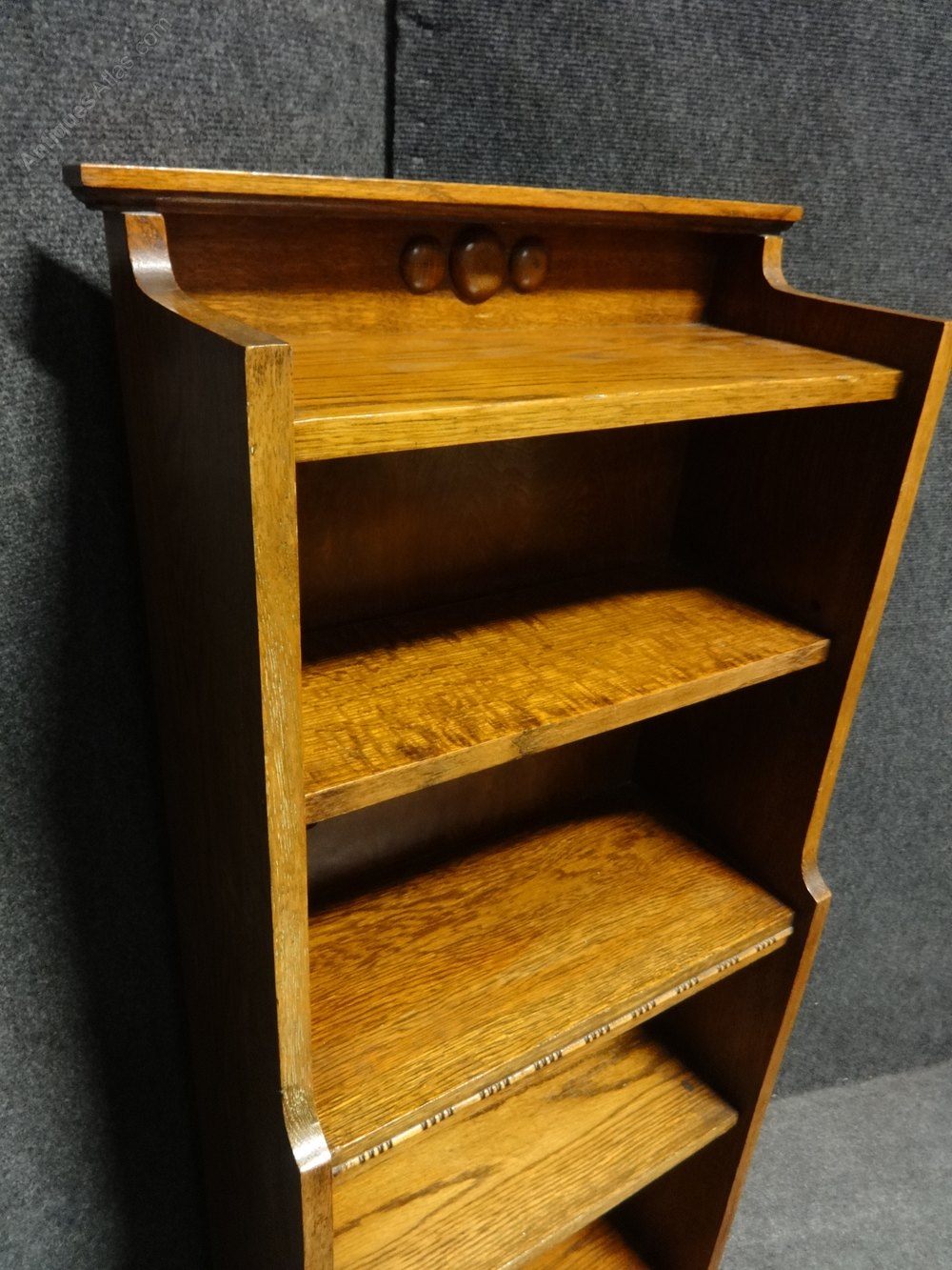 Good arts crafts golden oak adjustable bookcase for Good arts and crafts