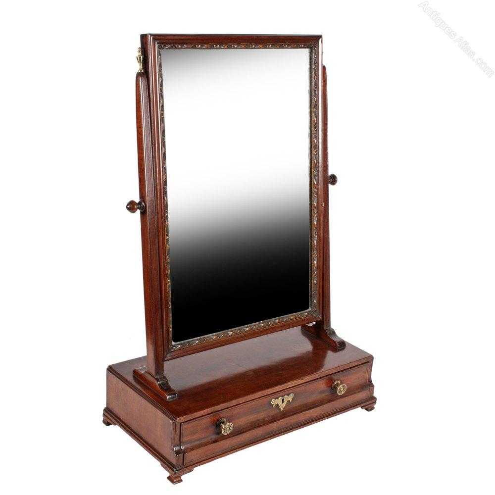 Antiques atlas chippendale mahogany dressing mirror for Dressing mirror