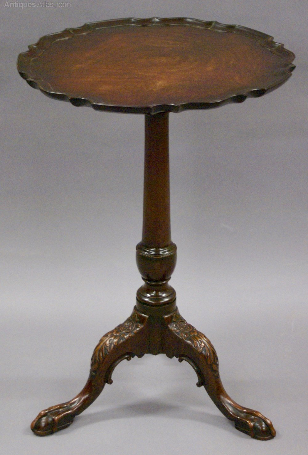 A 19th century carved piecrust tripod table or ke for Table ke design