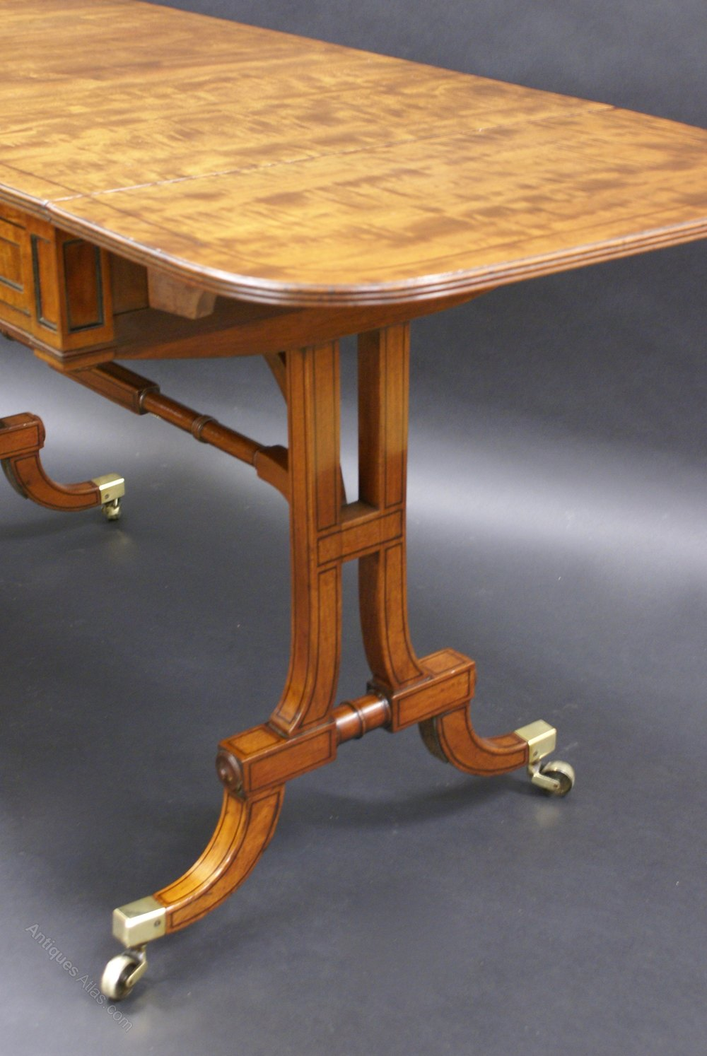 A fine regency mahogany sofa table antiques atlas for Sofa table antique
