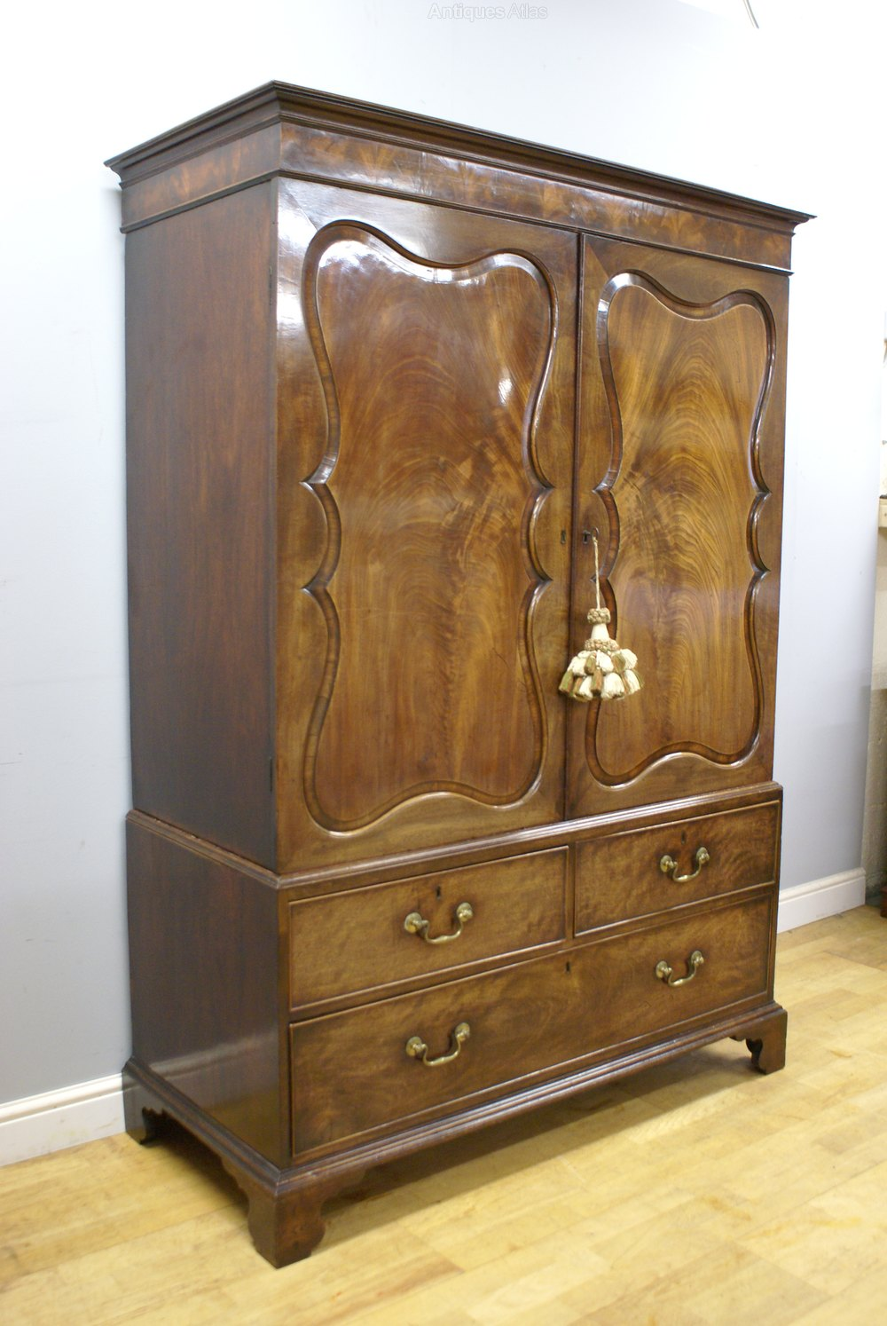 A superb chippendale period linen press antiques atlas for Linen press