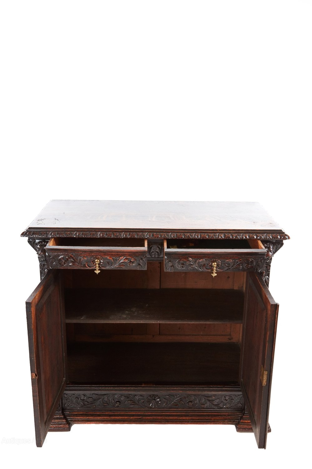 antique carved oak sideboard antiques atlas. Black Bedroom Furniture Sets. Home Design Ideas