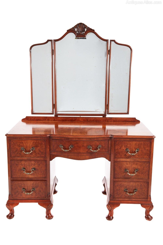 Quality burr walnut dressing table antiques atlas for Walnut dressing table