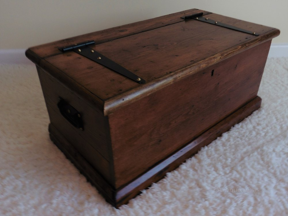 Pine Storage Blanket Box Chest Or Coffee Table Antiques Atlas