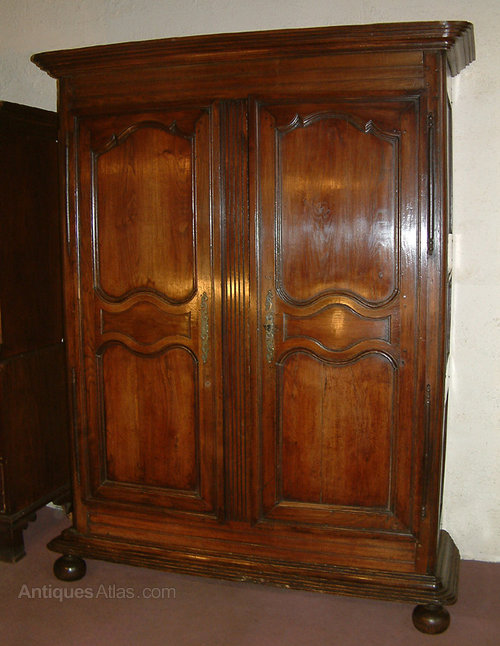 Dating antique oak furniture
