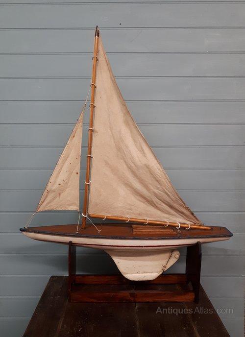 Large Vintage Pond Yacht