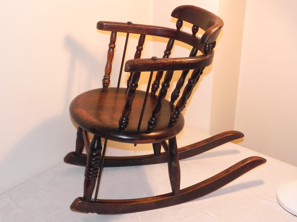 Enjoyable Small Victorian Childs Oak Rocking Chair Beatyapartments Chair Design Images Beatyapartmentscom