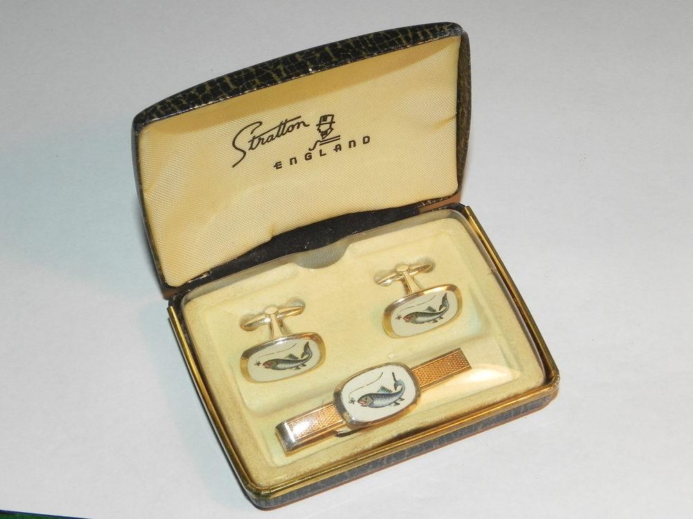 Antiques Atlas - Vintage 1950 Stratton Fishing Cufflinks