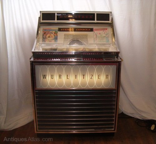 Iconic Wurlitzer Jukebox For The Party House