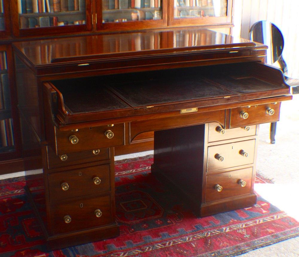 Photos. Rare Georgian Gillows architects desk/table Antique Architects Desks  ... - Rare Georgian Gillows Architects Desk/table - Antiques Atlas