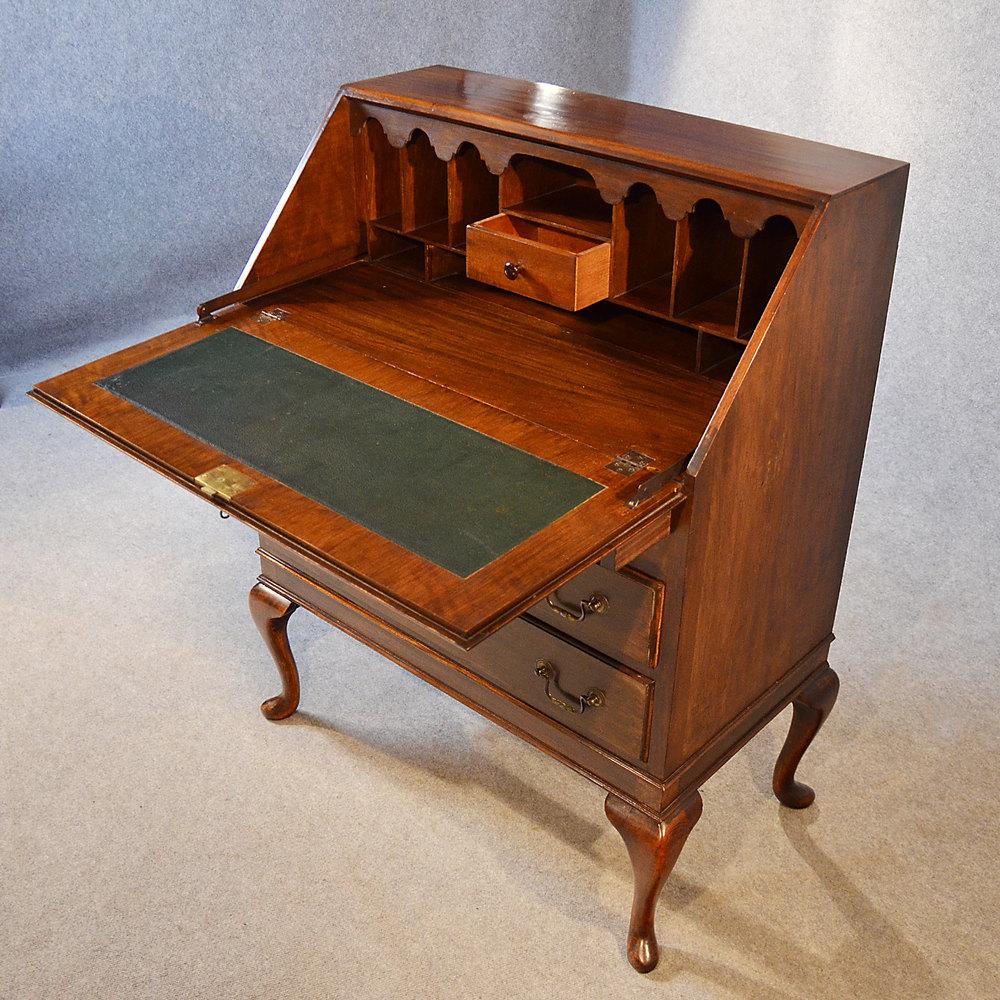 Antique Bureau Writing Desk Mahogany English Antique Bureaus Antique Bureau  Writing %%alt5%% %%alt6%% - Antique Bureau Writing Desk Mahogany English - Antiques Atlas