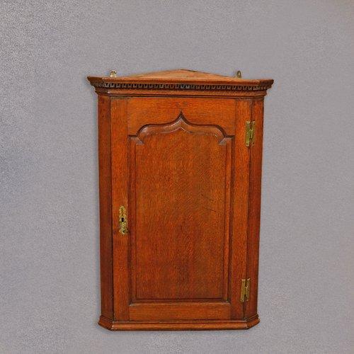 Antique Georgian Hanging Corner Cabinet, - Antique Georgian Hanging Corner Cabinet, - Antiques Atlas
