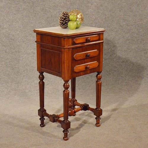 - Antique Small Cabinet Side Table Bedside Cupboard - Antiques Atlas