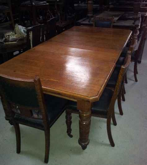 Large Oak 10 / 12 Seat Dining Table.