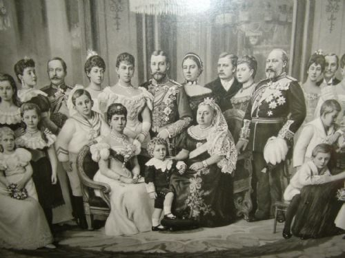 Antiques Atlas - QUEEN VICTORIA'S ROYAL FAMILY TREE PHOTO