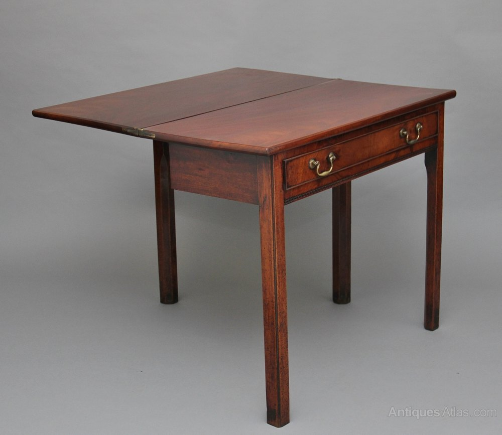 18th century mahogany tea games table antiques atlas for Table th rotate