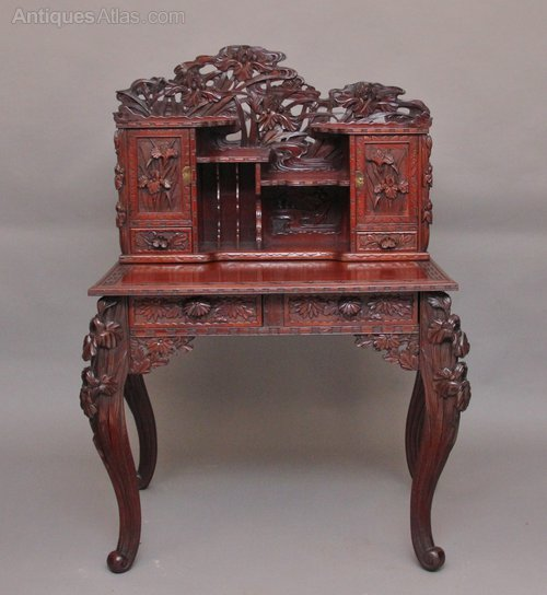- Early 20th Century Highly Carved Chinese Desk. - Antiques Atlas