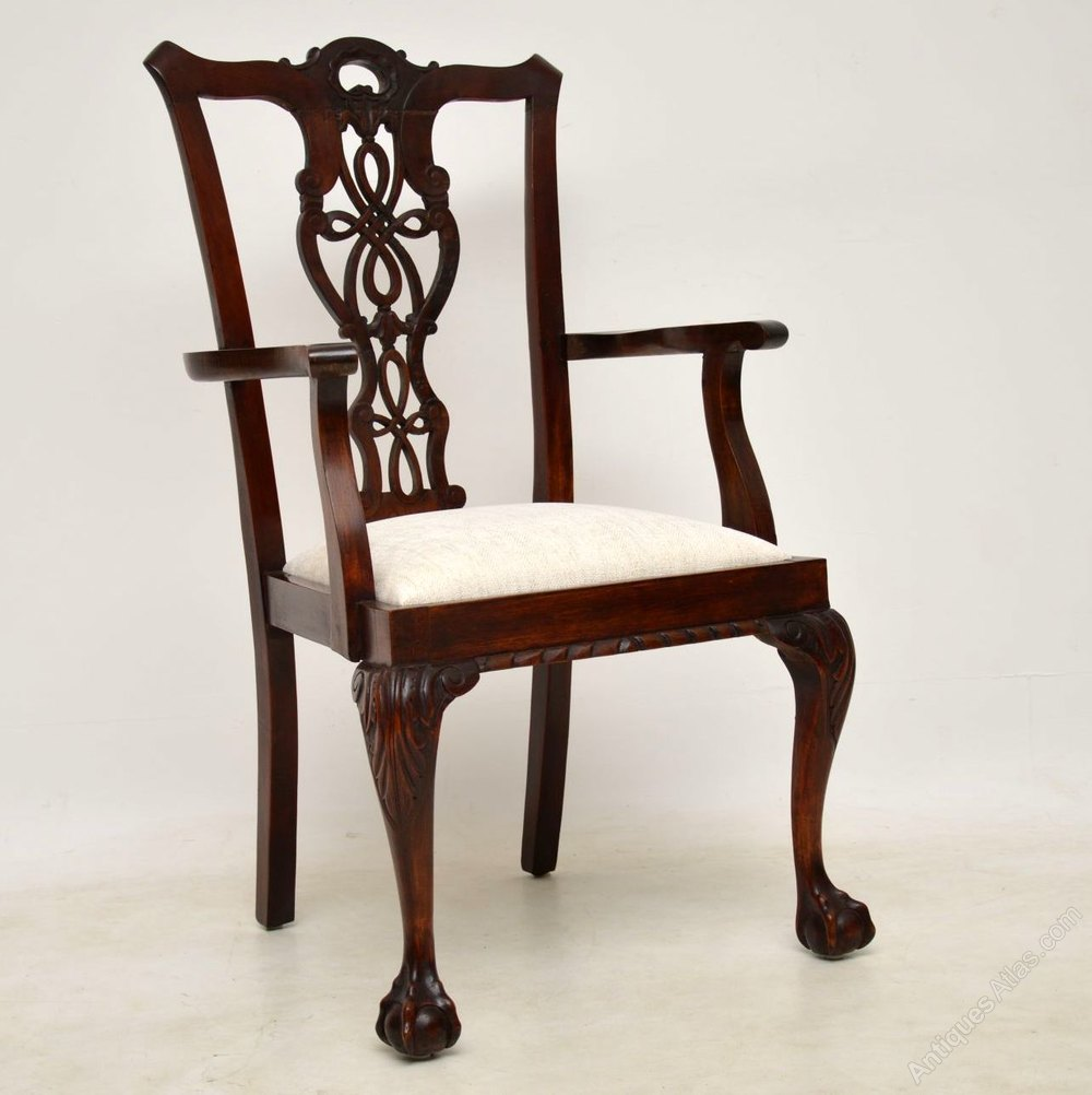 Chippendale Furniture: Set Of 12 Antique Mahogany Chippendale Dining Chairs