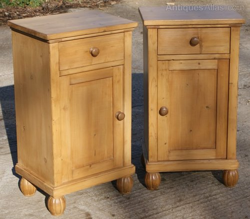 - A Fine Pair Of Pine Bedside Cabinets - Antiques Atlas