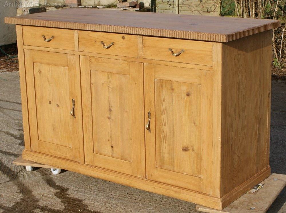 A german pine sideboard dresser base antiques atlas for Sideboard pinie