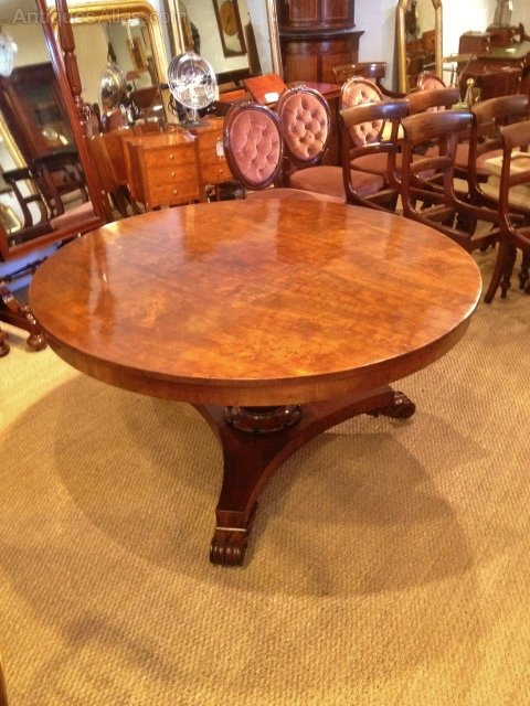 Beautiful Antique Round Mahogany Dining, Antique Round Kitchen Table