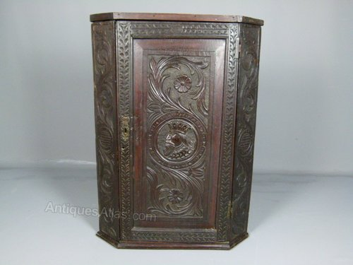 Georgian Carved Oak Corner Cabinet Antique ... - Georgian Carved Oak Corner Cabinet - Antiques Atlas
