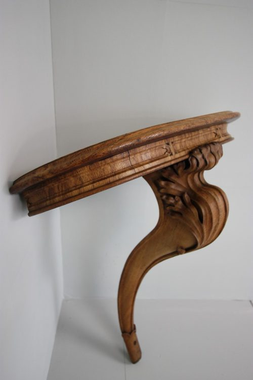 Exceptionnel Antique Gothic Style Carved Oak Corner Console.
