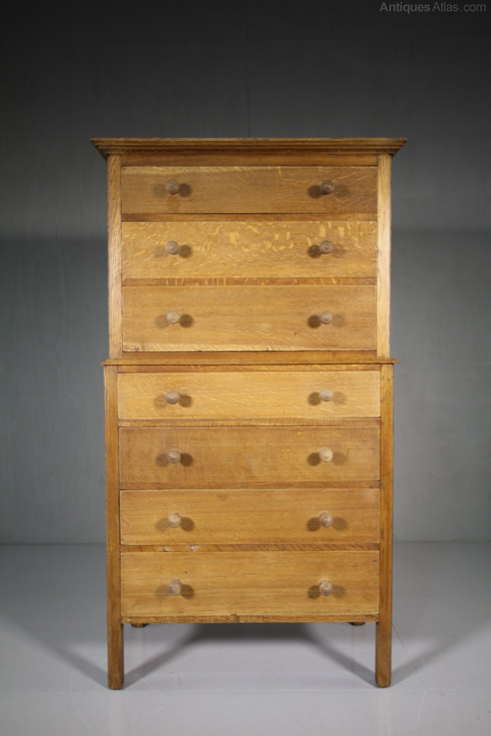 English 1930 S Oak Chest On Chest Of Drawers Antiques Atlas