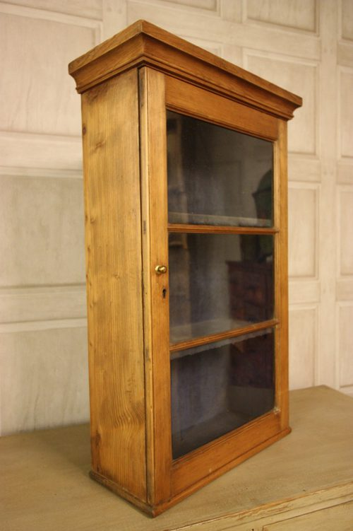 Georgian Antique Pine Wine Glass Wall Cabinet. - Georgian Antique Pine Wine Glass Wall Cabinet. - Antiques Atlas