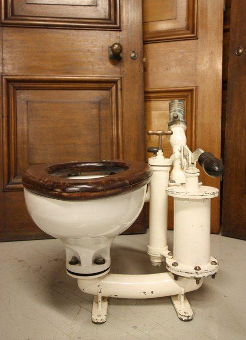 Lift Seat Toilet