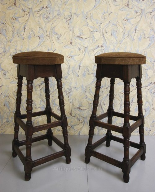 Pair Of English Antique Tall Oak Bar Stools Antiques Atlas