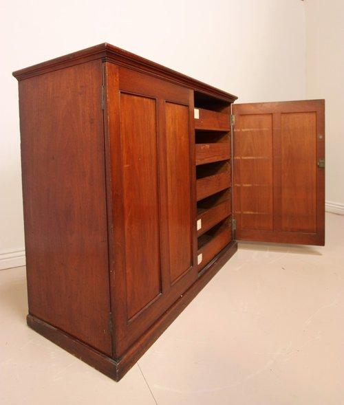 Unusual Antique Mahogany Linen Cupboard ... - Unusual Antique Mahogany Linen Cupboard - Antiques Atlas