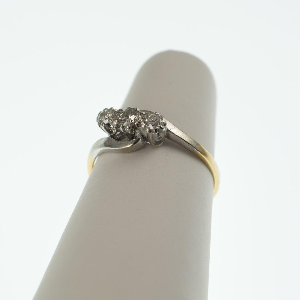 antiques atlas vintage three stone diamond twist ring