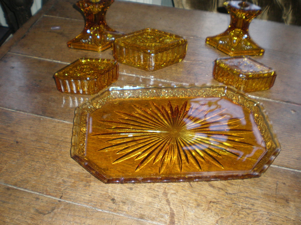 Vintage Amber Glass Dressing Table Set - Antiques Atlas - Vintage Amber Glass Dressing Table Set