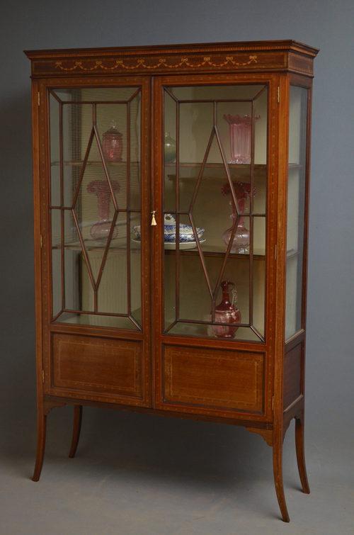 Edwardian Display Cabinet - Edwardian Display Cabinet - Antiques Atlas