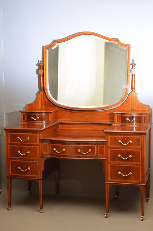 sale retailer 89f60 fe2be Edwardian Dressing Table By Maple & Co - Antiques Atlas