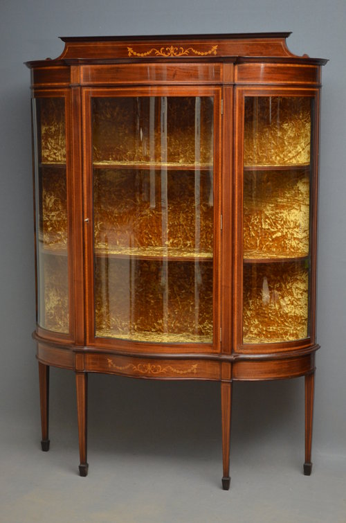 Exquisite Edwardian Mahogany Display Cabinet