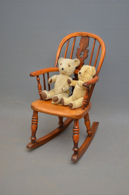 Rare Childs Rocking Chair - Windsor Rocking Chair Antique ... & Rare Childu0027s Rocking Chair - Windsor Rocking Chair - Antiques Atlas