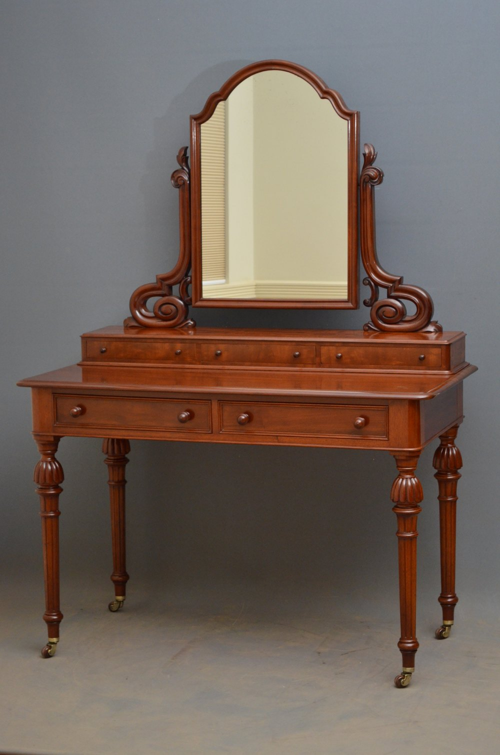 Victorian dressing table - Victorian Mahogany Dressing Table