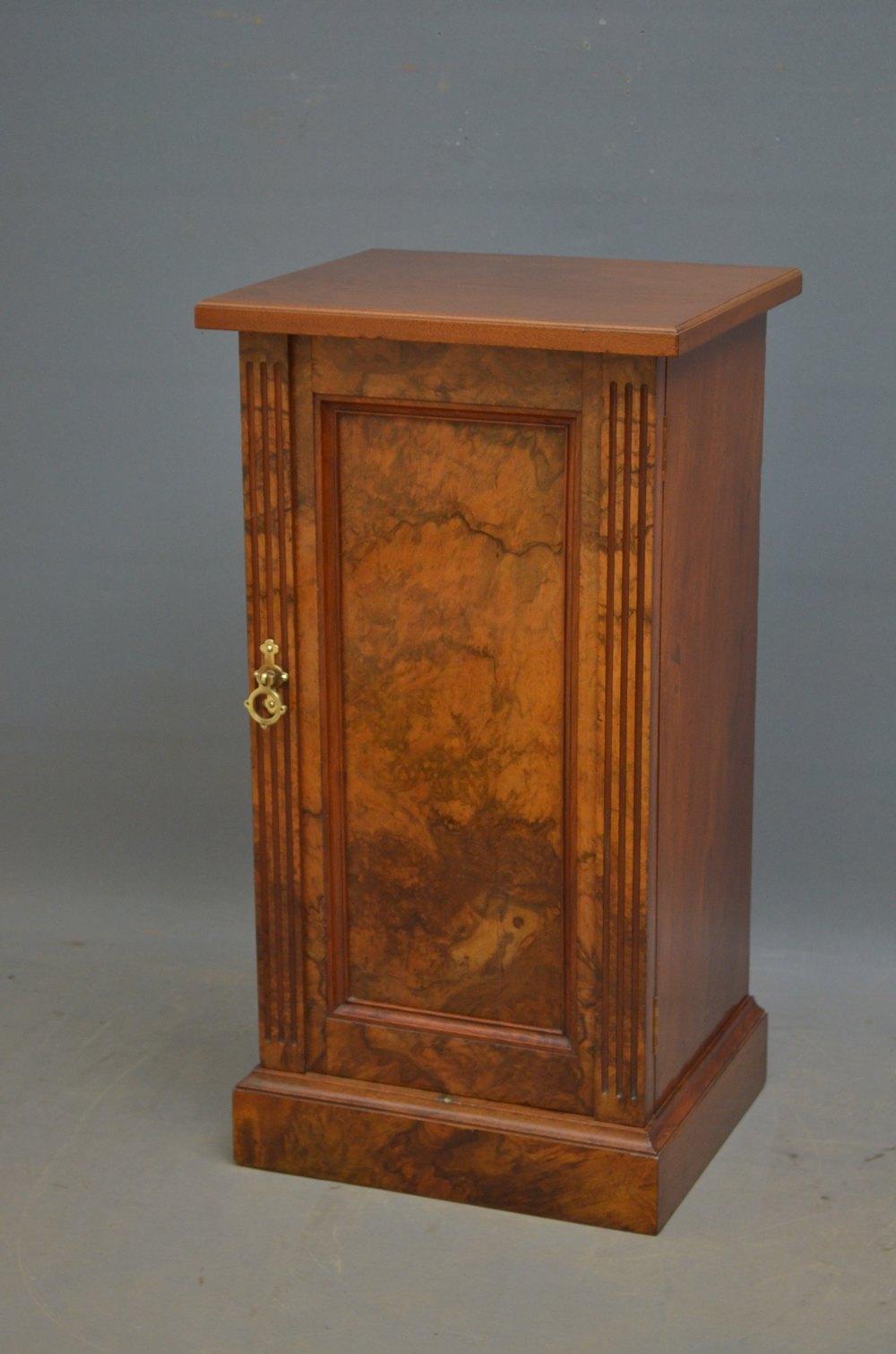 super popular ea917 1b471 Victorian Walnut Bedside Cabinet