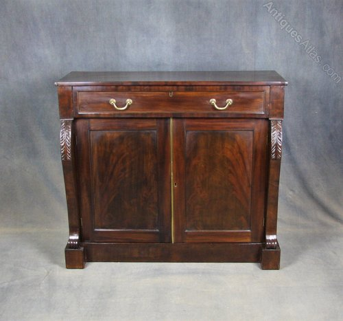 William IV Mahogany Sideboard / Chiffonier