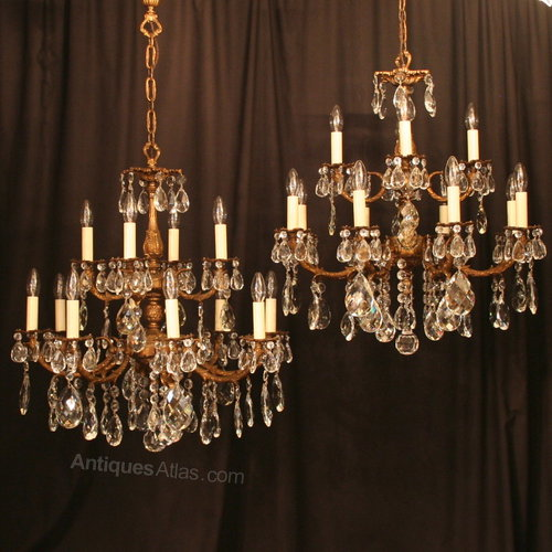 An Italian Pair Of 12 Light Antique Chandeliers ... - Antiques Atlas - An Italian Pair Of 12 Light Antique Chandeliers