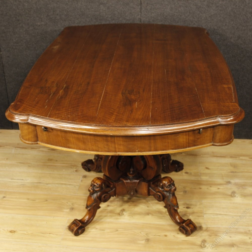 Antique french center table in walnut 19th century for Table th center