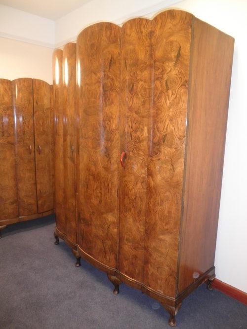 Art Deco Burr Walnut Bedroom Suite - Antiques Atlas