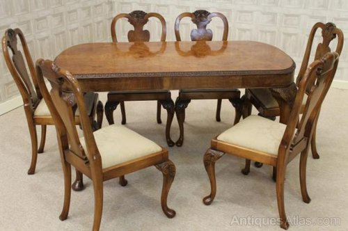 Queen Anne Style Dining Suite Table And Chairs
