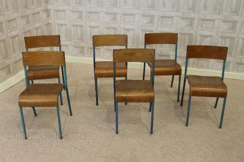 Superbe Vintage Childrens Retro Stacking School Chairs ...