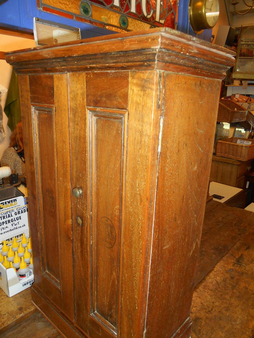 Antique Cigar/Medicine Cabinet Antique Medicine Cabinets %%alt5%% - Antique Cigar/Medicine Cabinet - Antiques Atlas