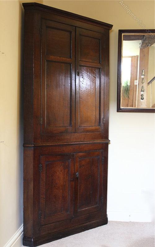 18th Century Oak Floor Standing Corner Cupboard ...