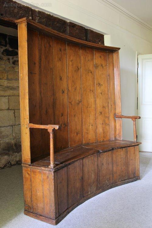 Early 19th Century Pine Box Settle. V19