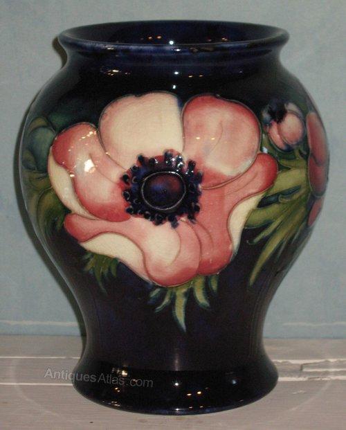 Antiques Atlas Moorcroft Anemone Pattern Vase